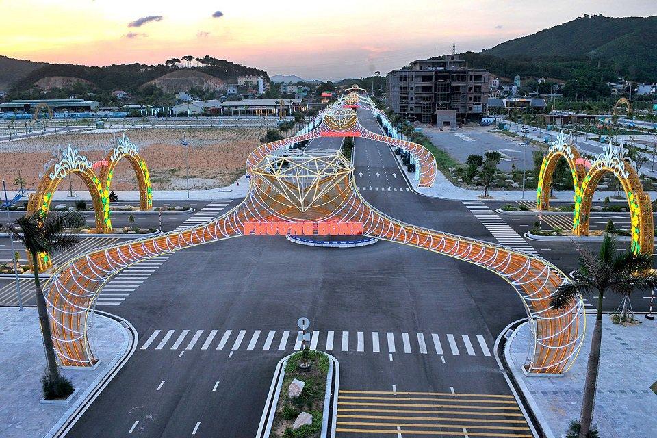 đường vào dự án Phương Đông Vân Đồn