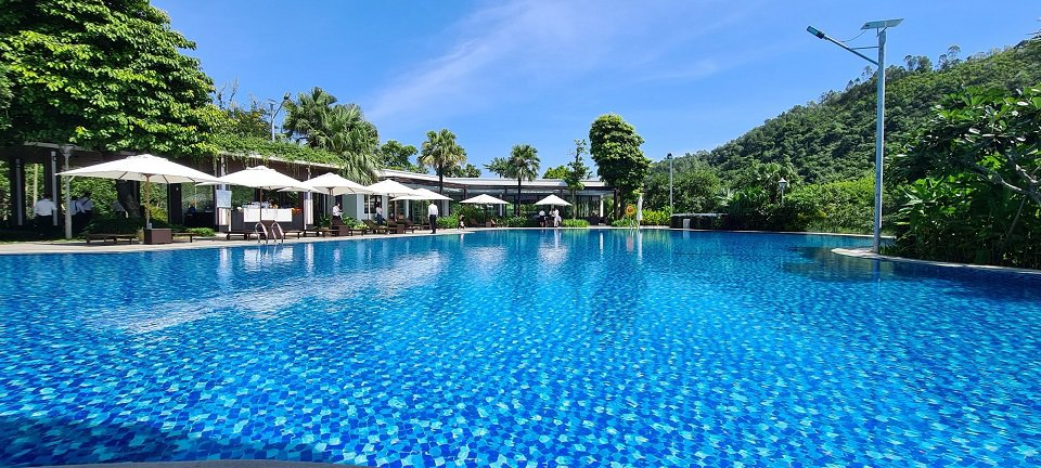 Bể bơi khu Resort Xanh Villa
